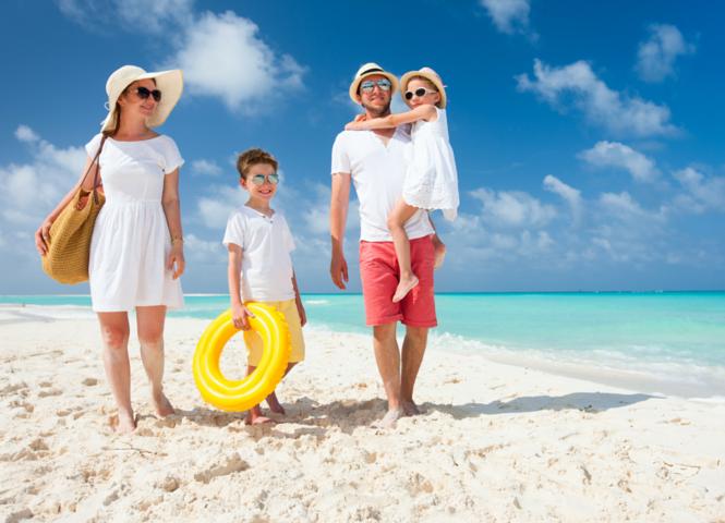 Tips para viajar a la playa en familia somos orlando for Apartahoteles familiares playa